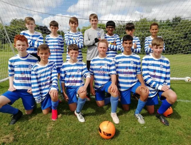 Wroughton Youth FC U13 Panthers in their new kit, sponsored by Linden Homes