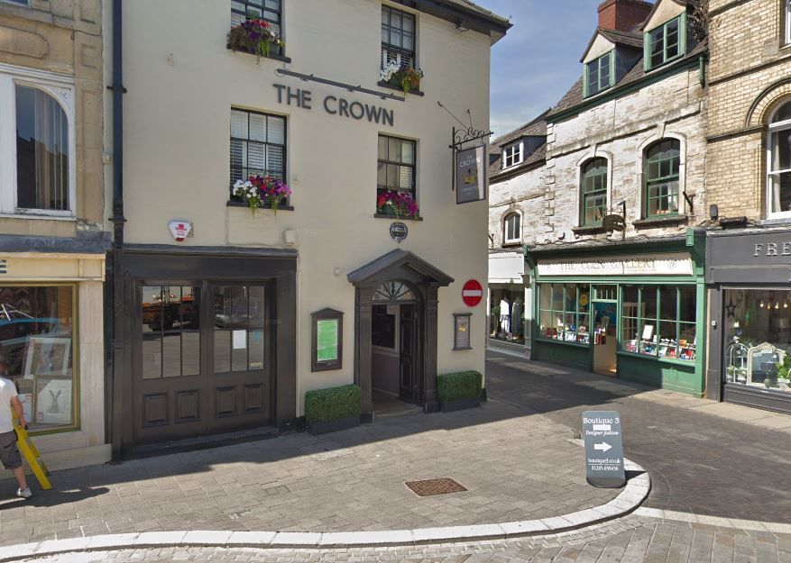 Man admits glassing woman in Cirencester pub