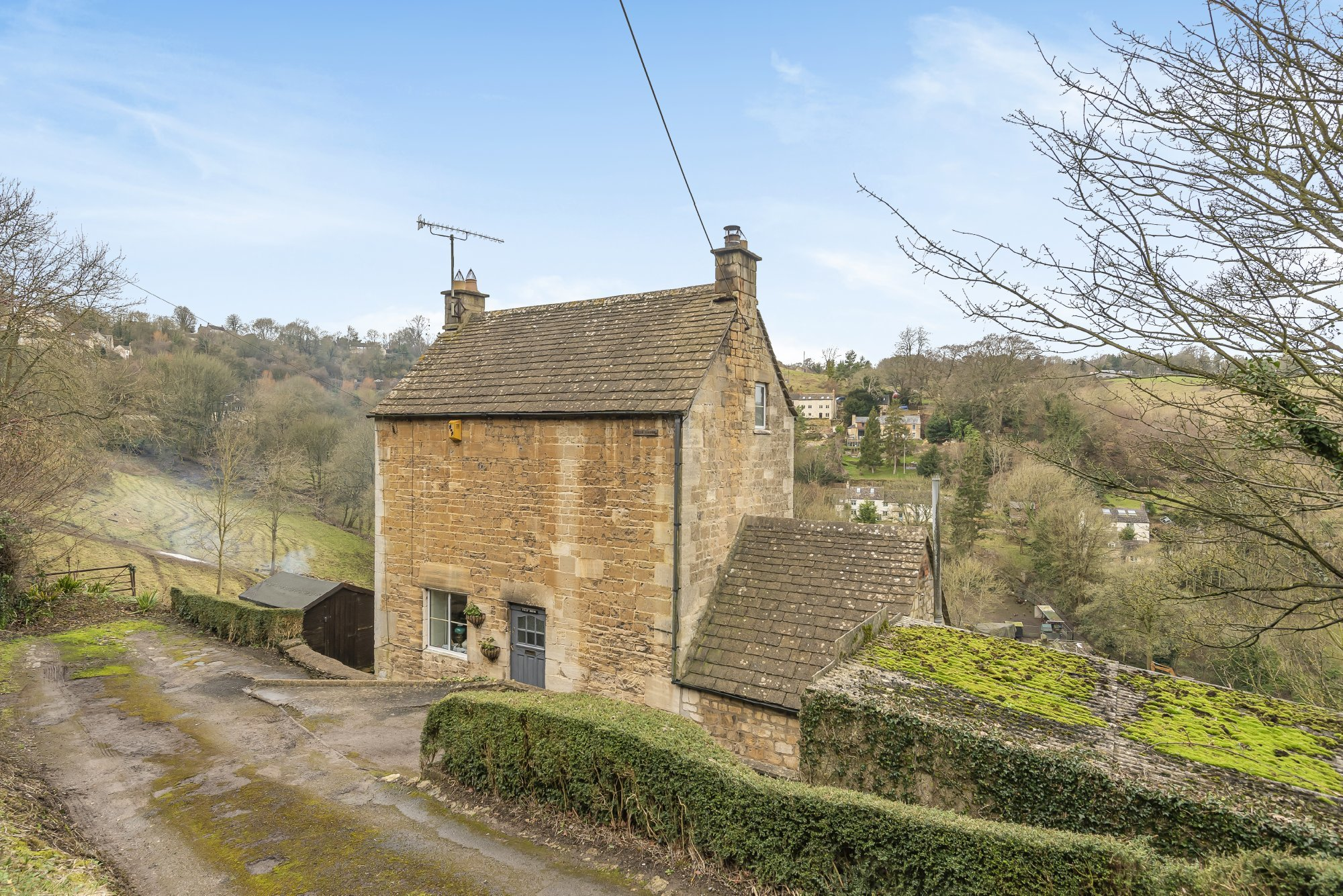 Property of the day is this beautiful Cotswold stone cottage for £460K in Brimscombe