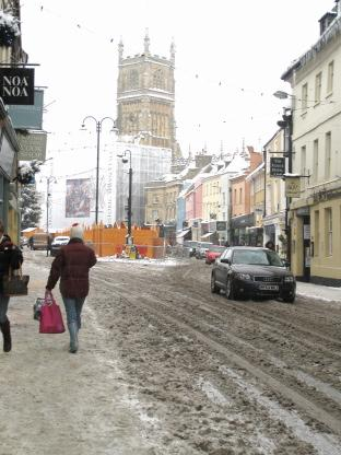 Snow-packed pavements in Cirencester