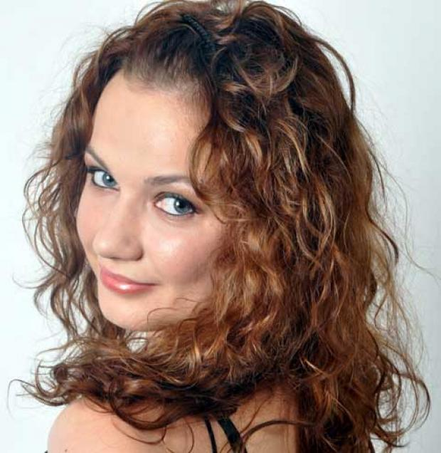 Ukrainian mezzo-soprano Anna Starushkevych will perform for Cirencester Choral Society