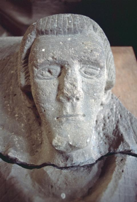 The stolen head of Robert De Wakering