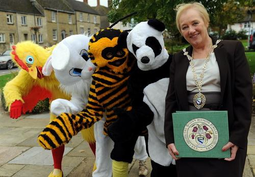 Cricklade Town Council vice chairman Gina Chapman with furry friends Helen Baker, Tina Jones, John Cool and Shelley Parker