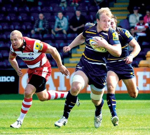 Gloucester director of rugby Nigel Davies has compared new signing Thomas Young to team-mate Matt Kvesic (above)