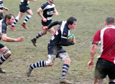 Ed Fanshawe makes a break for Stow