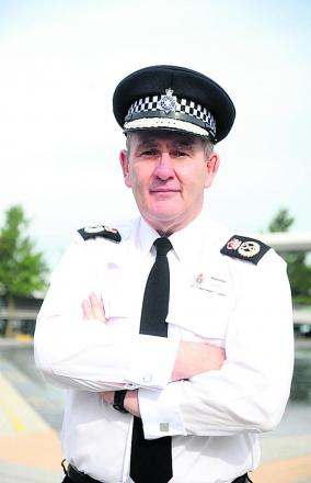 Police chief chases thief in high street