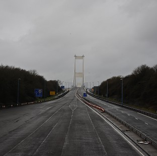 Traffic updates across the region: High winds force closure of one lane on the M48 Severn Bridge