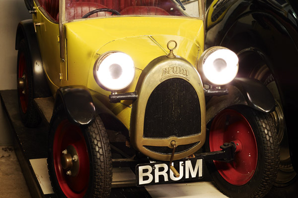 Wilts and Gloucestershire Standard: brum