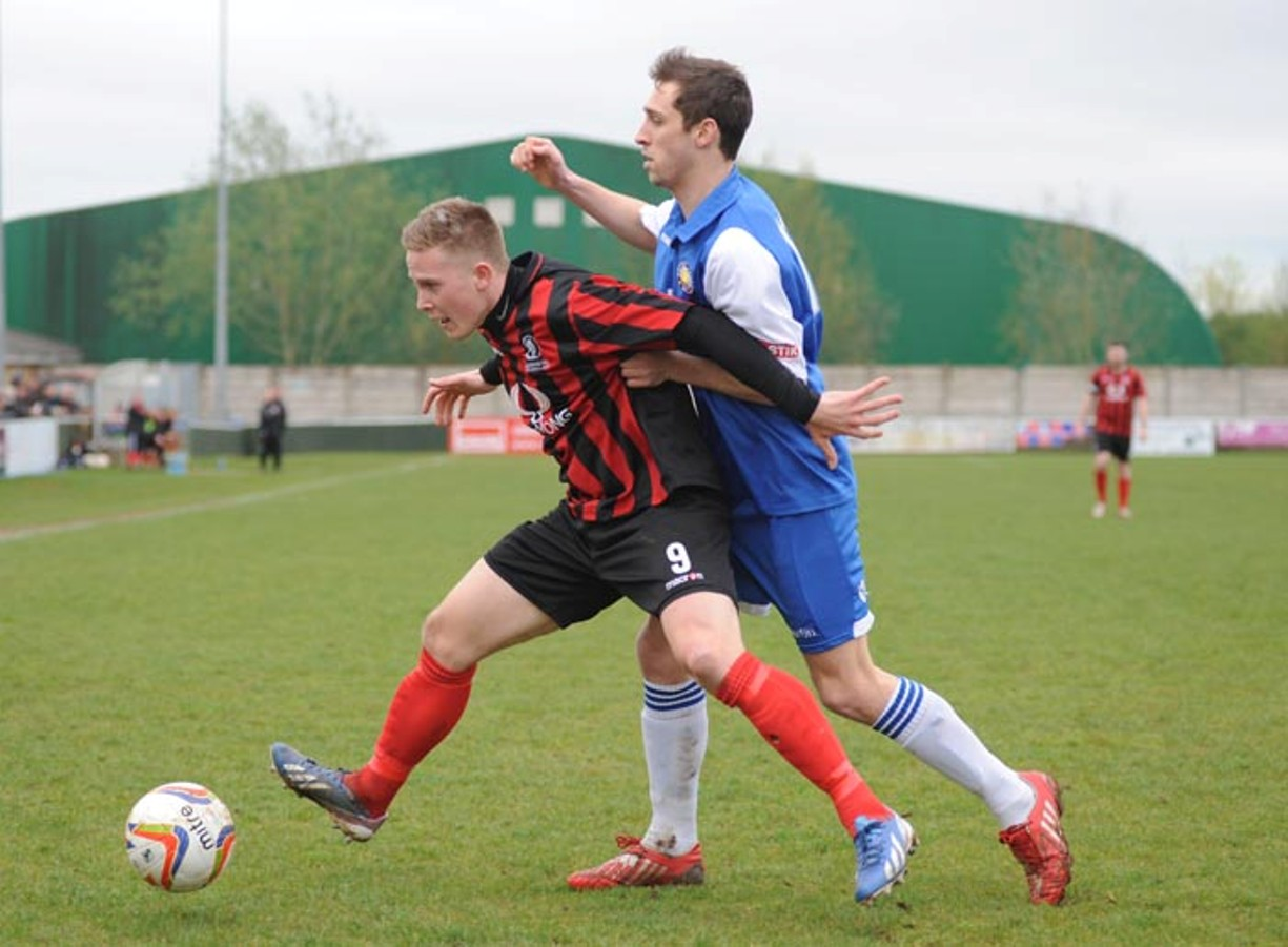 Aidan Bennett, a real nuisance to the Cinderford defence