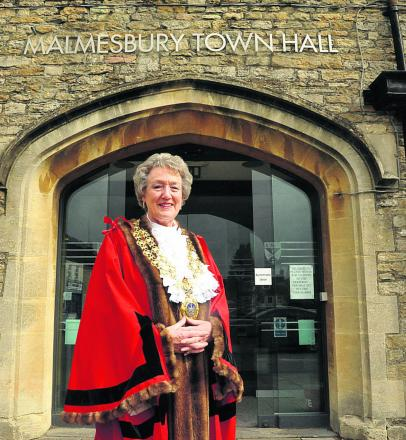 Mayor appeals for end to