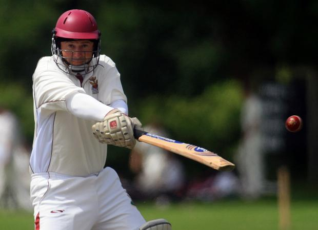 Andy Cooper batting for Cirencester II's (9872790)