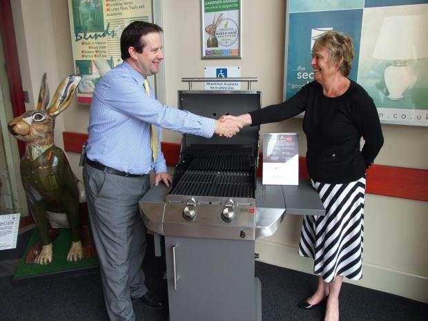 Cirencester store gives away £250 barbecue to celebrate town's hare festival