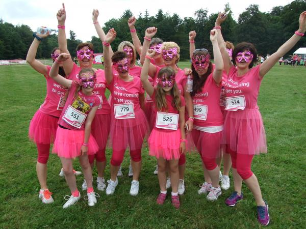 Women unite to fight against cancer at Cirencester Race for Life