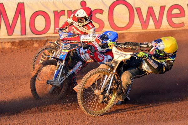 SPEEDWAY: Robins bounce back to hammer Lakeside