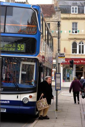 Cirencester bus users call for reinstated service