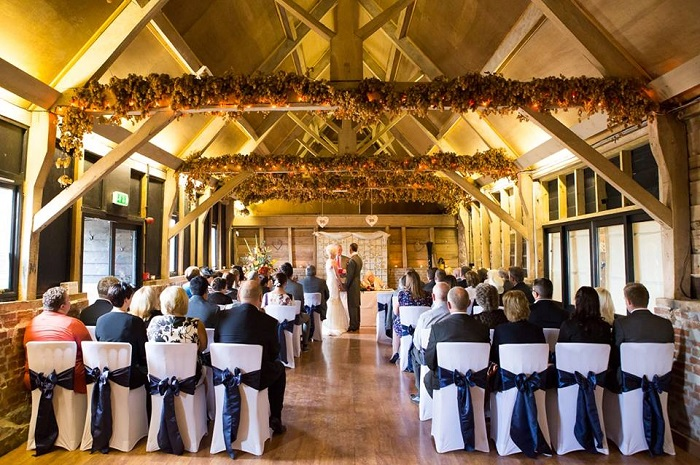 The Wellington Barn (Nr Calne) Wedding Show