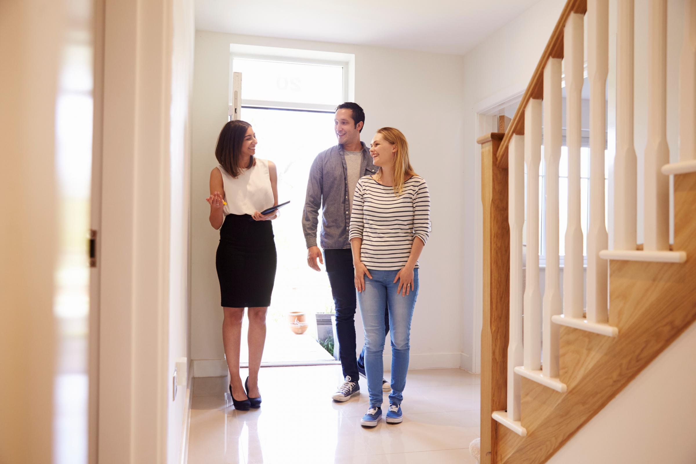 Motor News: Landlords think couples are the perfect tenants