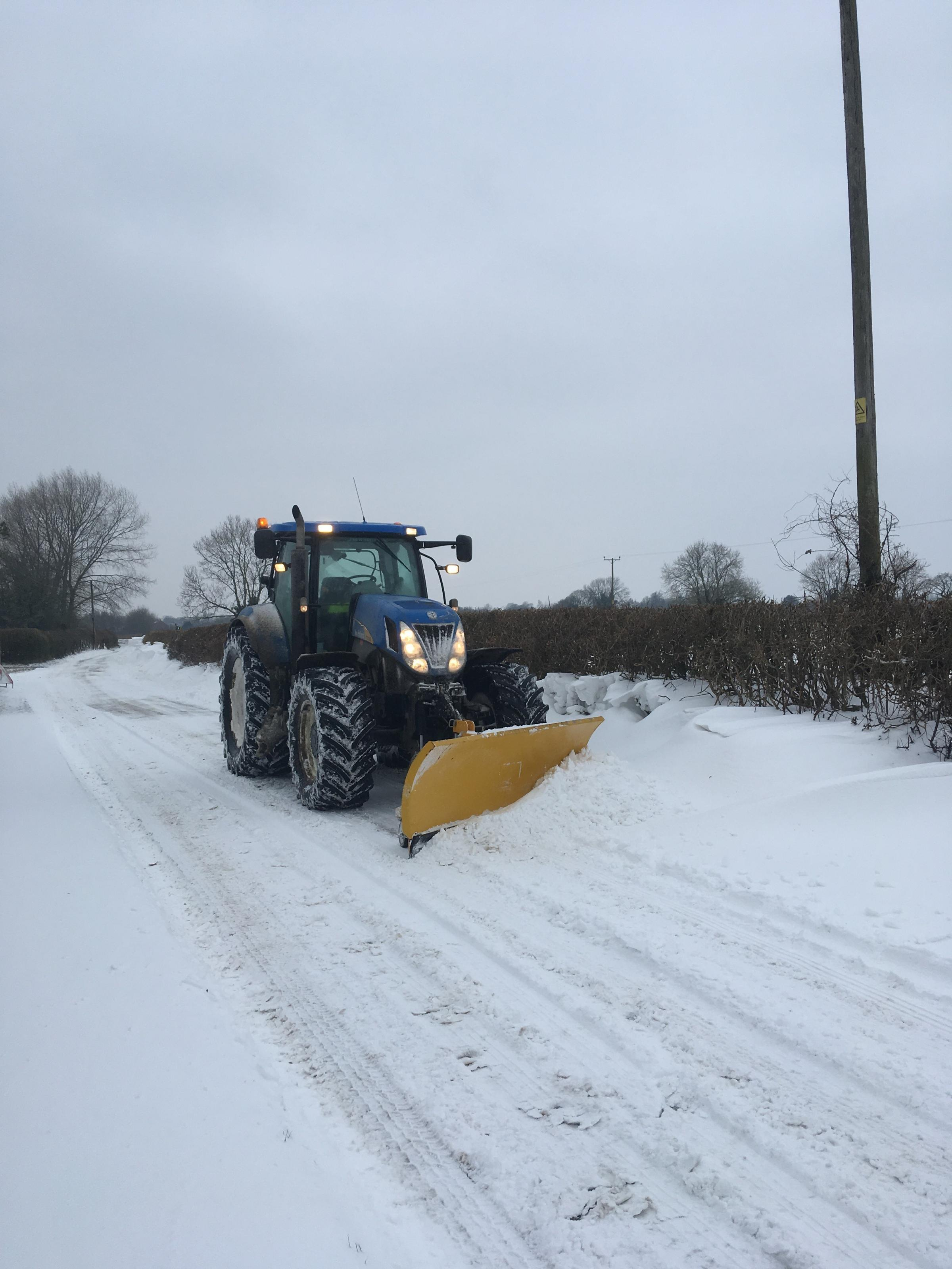 Farmer spends whole weekend to help clear the roads of snow