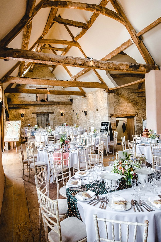 Oxleaze Barn (Lechlade) Wedding Show