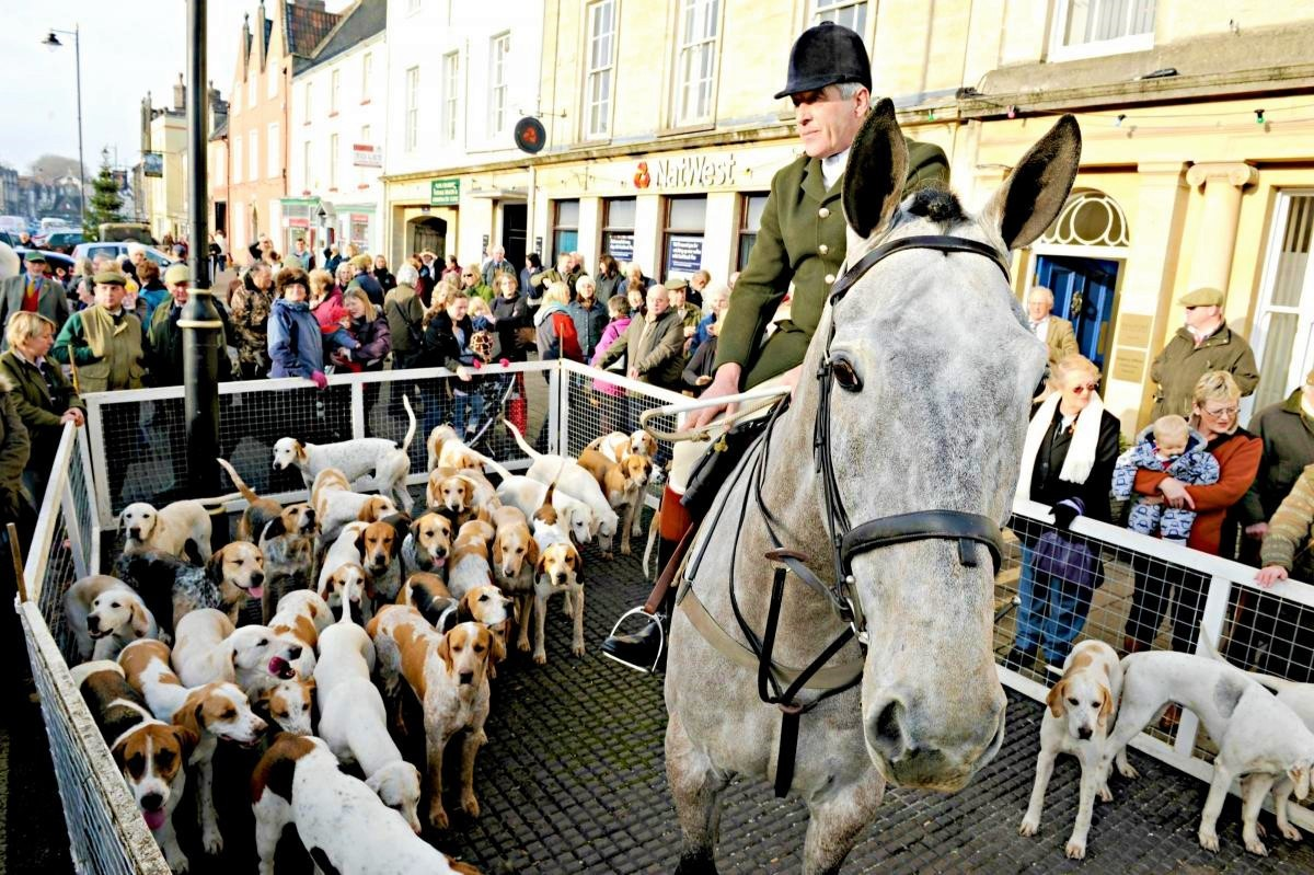 Outrage over National Trust hunting licences