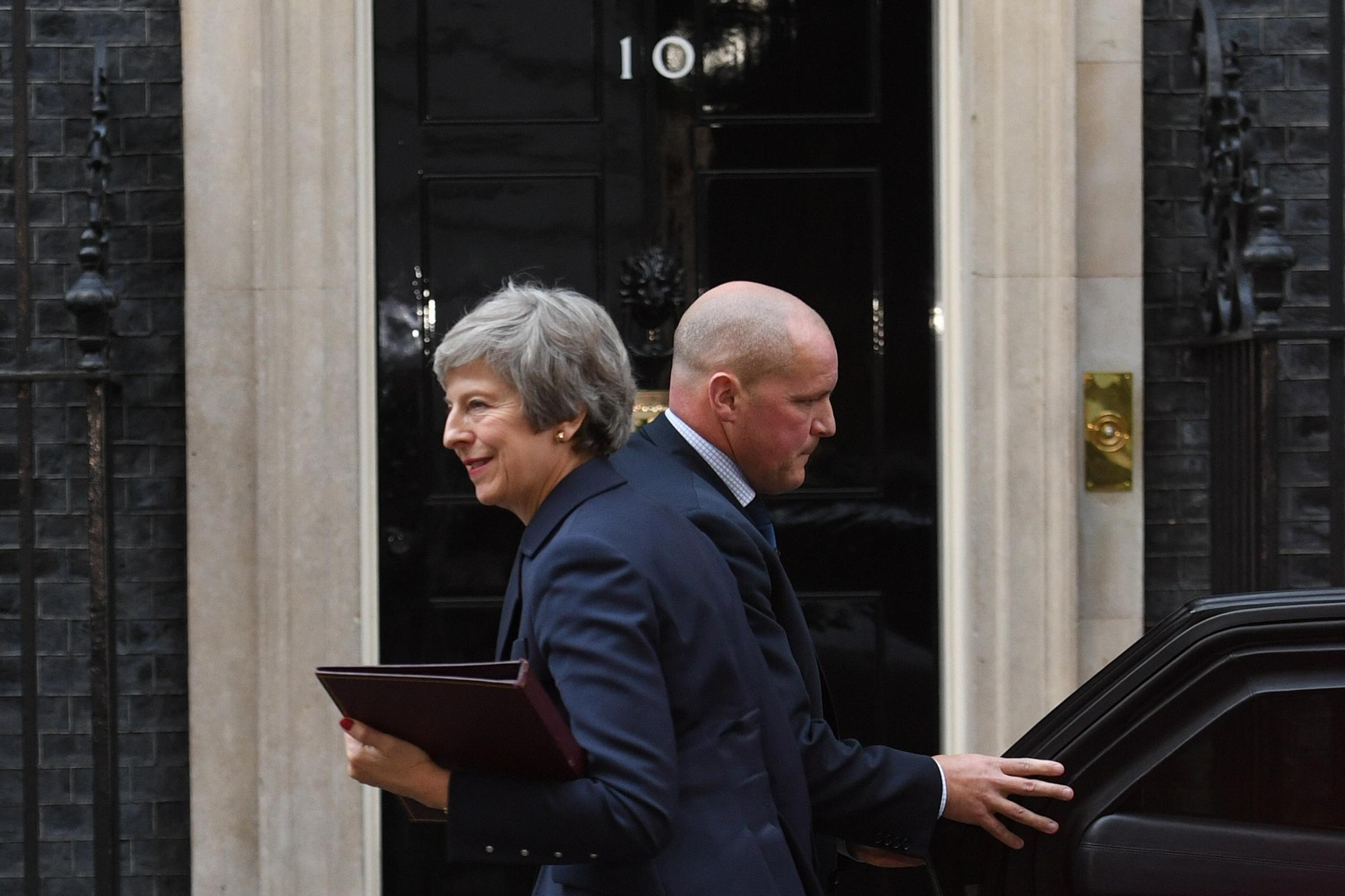 Tory unease surfaces as Cabinet meets to discuss draft Brexit deal