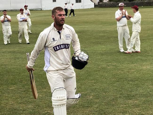 DAN Davis stroked his way to a memorable unbeaten 185 for Thornbury who moved up to fourth in WEPL Premier Two Glos/Wilts with a 123-run home win over promoted Stroud